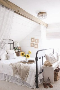Awesome Bedroom Decor Ideas With Farmhouse Style 09