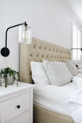 Awesome Bedroom Decor Ideas With Farmhouse Style 22