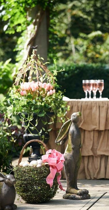Charming Easter Ideas For Outdoor Decorations 20