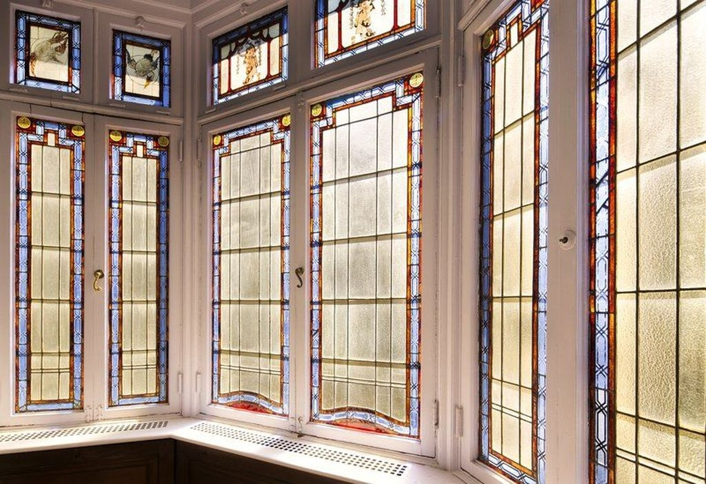 Comfy Stained Glass Window Design Ideas For Home 33