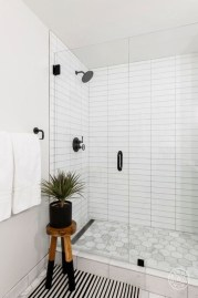 Cool Tile Pattern Design Ideas For Bathroom 39