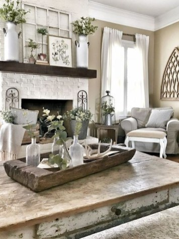 Gorgeous Farmhouse Living Room Design Ideas 19