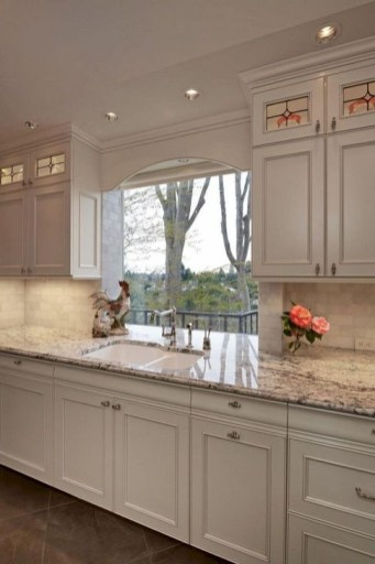 Lovely White Backsplash Design And Decor Ideas For Kitchen 12
