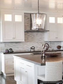 Lovely White Backsplash Design And Decor Ideas For Kitchen 40
