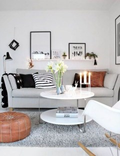 Relaxing Black And White Decor Ideas For Your Room 03