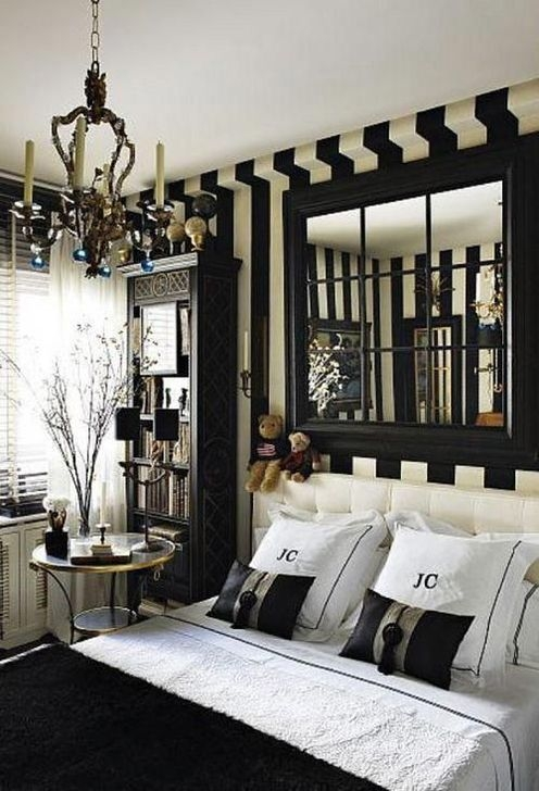 Relaxing Black And White Decor Ideas For Your Room 36