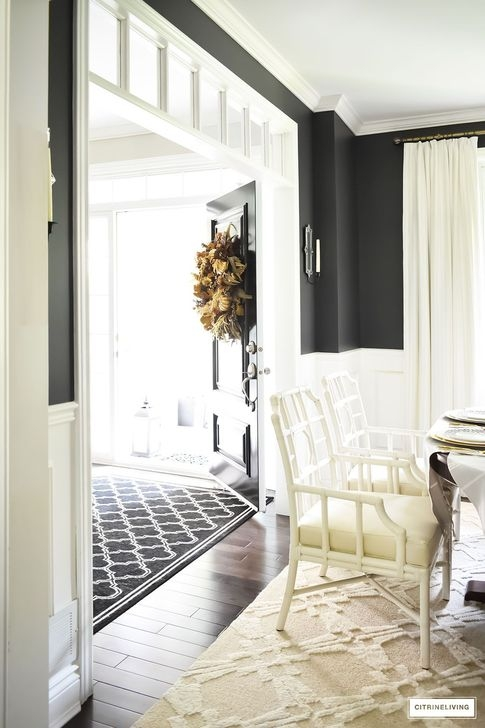 Relaxing Black And White Decor Ideas For Your Room 43
