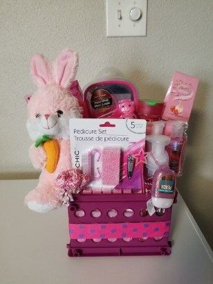 Gorgeous Easter Basket Ideas For Kids 34