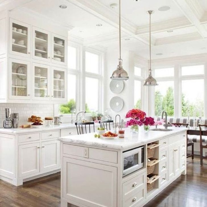 Awesome White And Clear Kitchen Design Ideas 02