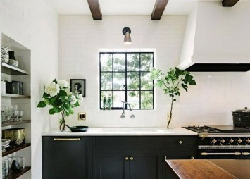 Awesome White And Clear Kitchen Design Ideas 10