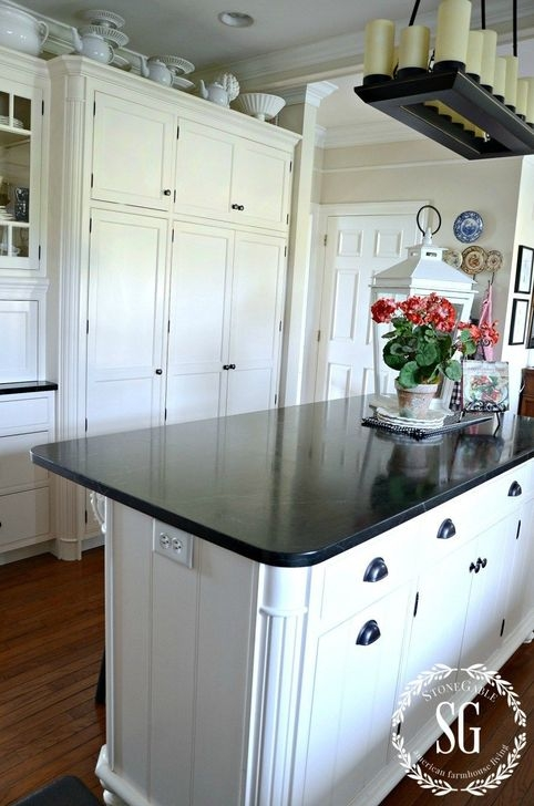 Awesome White And Clear Kitchen Design Ideas 36