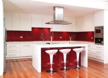 Cozy Red Kitchen Wall Decoration Ideas For You 32
