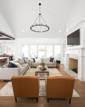 Fancy Family Room Design Ideas That Make You Cozy 24