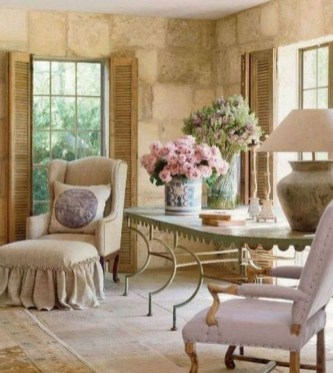 Inspiring French Living Room Decorating Ideas 14