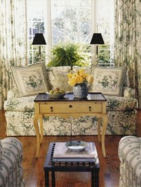 Inspiring French Living Room Decorating Ideas 35