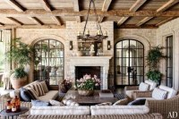 Inspiring French Living Room Decorating Ideas 42