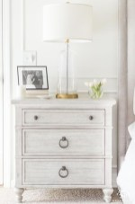 Newest Bedroom Furniture Ideas To Get The Farmhouse Vibe 11