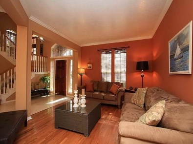 Relaxing Living Room Design Ideas With Orange Color Themes 18