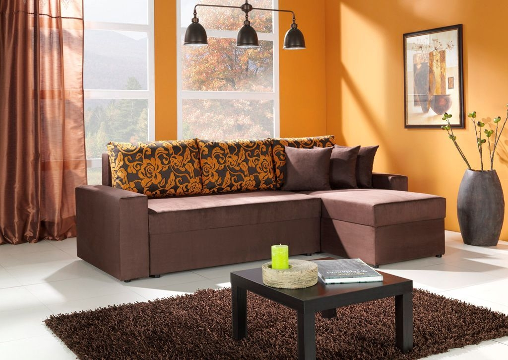 Relaxing Living Room Design Ideas With Orange Color Themes 44