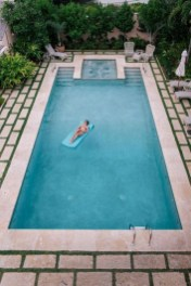 Comfy Backyard Designs Ideas With Swimming Pool Looks Cool 22