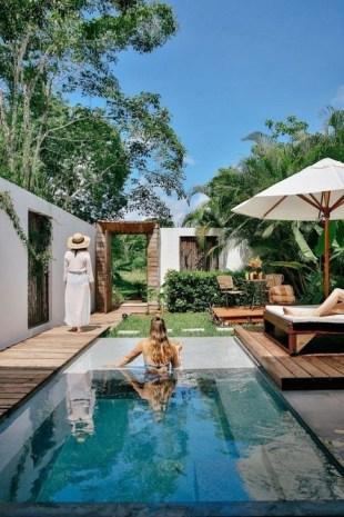 Comfy Backyard Designs Ideas With Swimming Pool Looks Cool 39