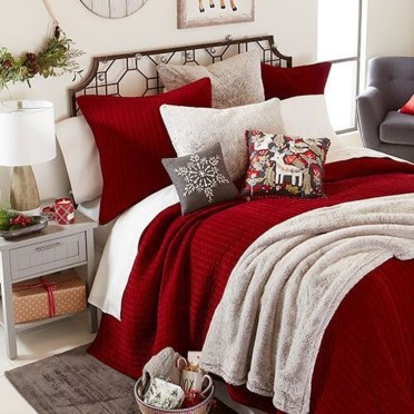 Comfy Red Bedroom Decorating Ideas For You 36