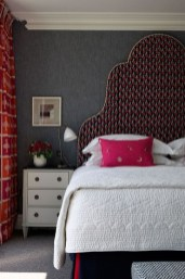 Comfy Red Bedroom Decorating Ideas For You 37