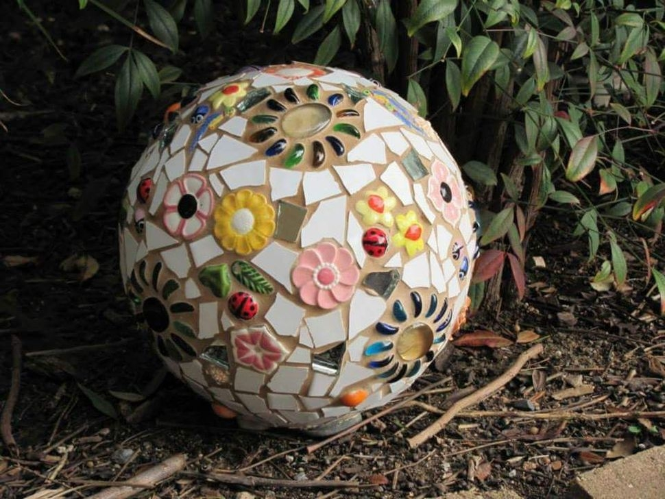 Enchanting Diy Mosaic Craft Ideas To Beautify Your Home Decoration 27