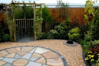 Gorgeous Landscaping Design Ideas For Beginners 10