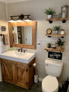 Lovely Farmhouse Bathroom Makeover Ideas To Try Right Now 20