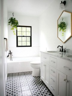 Lovely Farmhouse Bathroom Makeover Ideas To Try Right Now 22