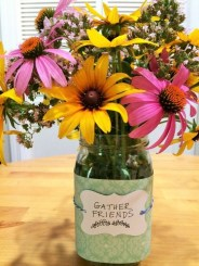 Splendid Diy Flower Vase Ideas To Add Beauty Into Your Home 25