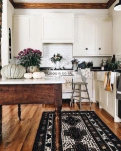 Stylish Farmhouse Kitchen Design Ideas To Bring Classic Look 34