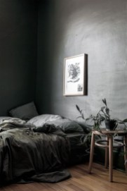 Delightful Bedroom Designs Ideas With Dark Wall That Breaks The Monotony 02