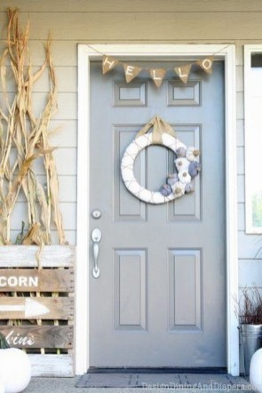 Extraordinary Fall Porch Ideas That Will Be Surely Comfortable 07