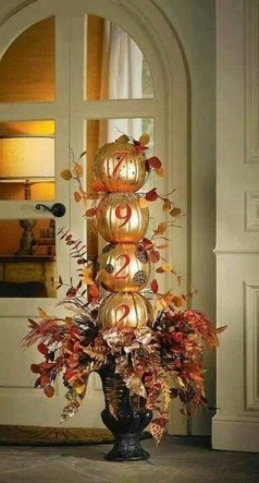 Extraordinary Fall Porch Ideas That Will Be Surely Comfortable 09