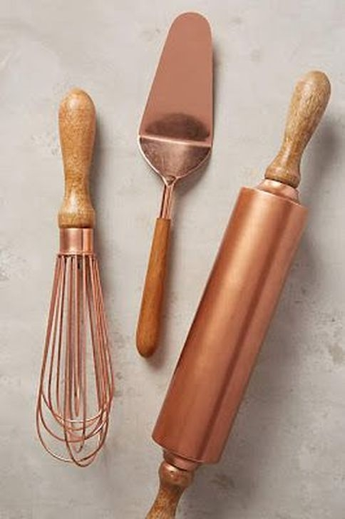 Hottest Copper Rose Gold Kitchen Themes Decorations Ideas 37