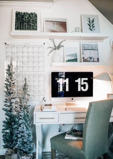 Outstanding Mini Office Design Ideas In The Living Room 41