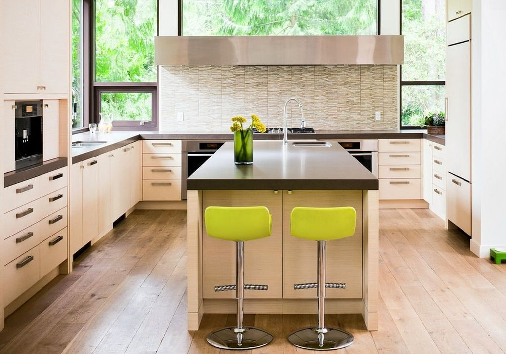 Splendid Kitchen Designs Ideas With Tones Of Vibrant Colors 42
