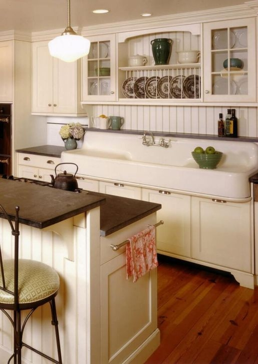 Unordinary Farmhouse Style Kitchen Island Ideas 18