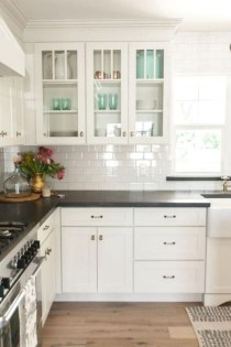Classy Farmhouse Kitchen Cabinets Design Ideas To Copy 28