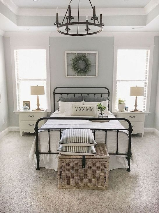Trendy Farmhouse Master Bedroom Design Ideas 12