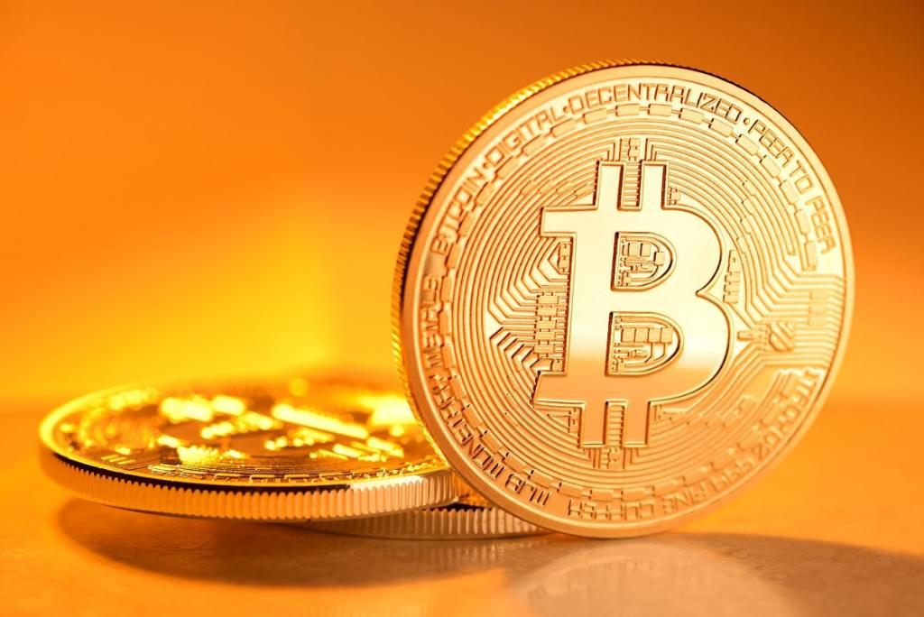 Taxa de hash de bitcoin atinge alta média de US$ 12 mil