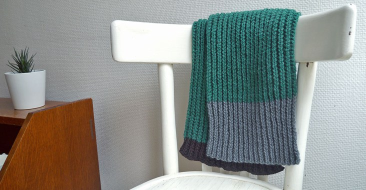 écharpe tricotée en méthode suisse