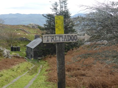 Tremadog hand-painted waymarker