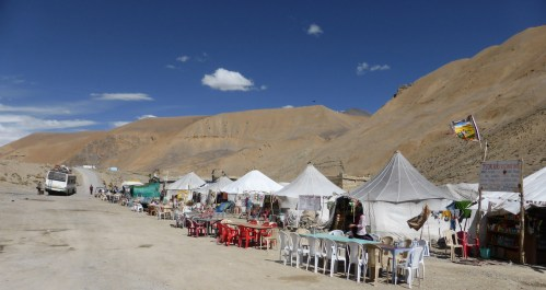 roadsde tented dhabas