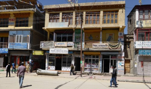 Leh shopfronts