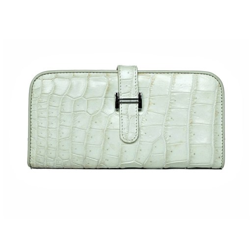 Wallet-crocodile-snow-1