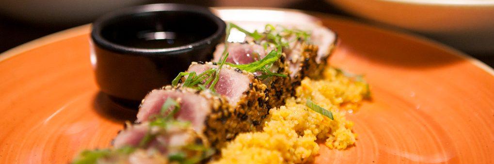 Tataki de atún, tapa, menú, 9 granados, cocina fusión, fresco,