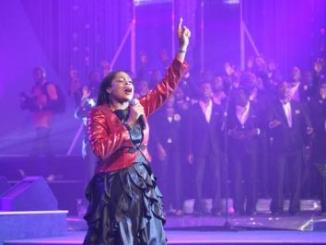 Gospel Singer, Sinach Receives Gold Plaque For Amassing 1 Million Subscribers On YouTube